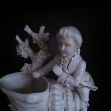 Antigüedades: * ANTIGUA FIGURA FLORERO DE BISCUIT-PORCELANA. Lote 49216923