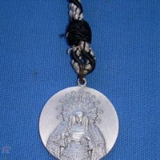 Antigüedades: SEMANA SANTA SEVILLA - ANTIGUA MEDALLA 4º - IV CENTENARIO HDAD SOLEDAD SAN LORENZO - 1557/1957. Lote 57568645