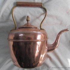 Antigüedades: GRAN TETERA DE COBRE SELLADA DEPOSÉ. Lote 49232069