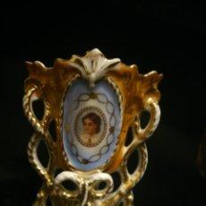 Antigüedades: * JARRON ISABELINO DE PORCELANA. (RF:BV/B*). Lote 49034216