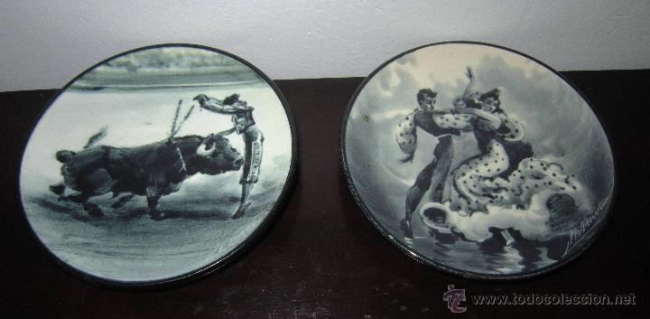 PAREJA DE PLATOS FOLCLÓRICOS, FIRMADOS M. MARCO (Antigüedades - Porcelanas y Cerámicas - Otras)
