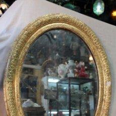 Antigüedades: ESPEJO OVALADO ANTIGUO EN MADERA DORADA. Lote 49278572