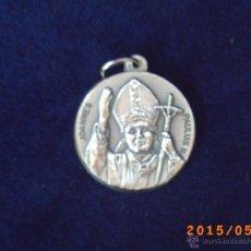 Antiguidades: MEDALLA RELIGIOSA DE JOANNES PAULUS II ( JUAN PABLO II) - DORSO PLAZA DE SAN PEDRO - ITALY -. Lote 49279303