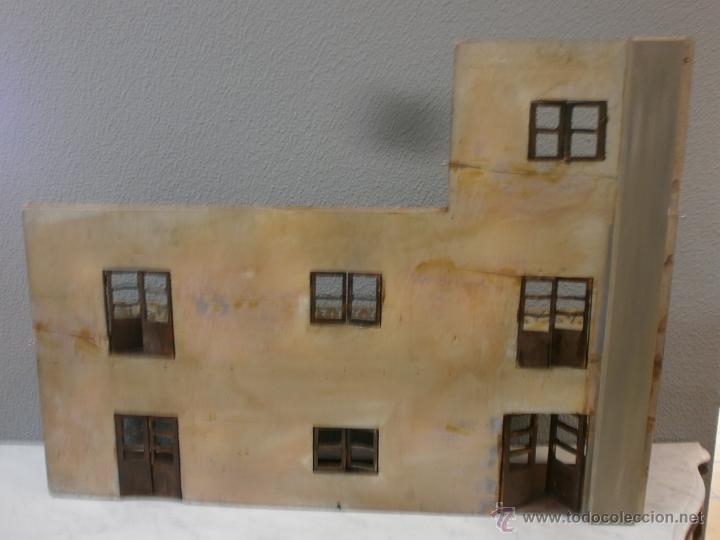Casas de Muñecas: Antigua casa de muñecas-de madera-años 20- estilo colonial con torreón-contiene algunos muebles. - Foto 17 - 49287001