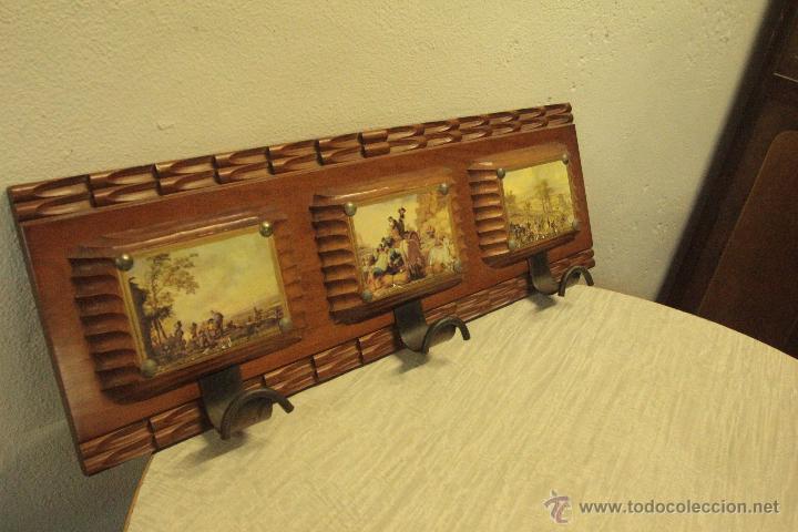 Antigüedades: percha años 60 con 3 colgadores, con imágenes 67x22cm -ref500- - Foto 2 - 49310686