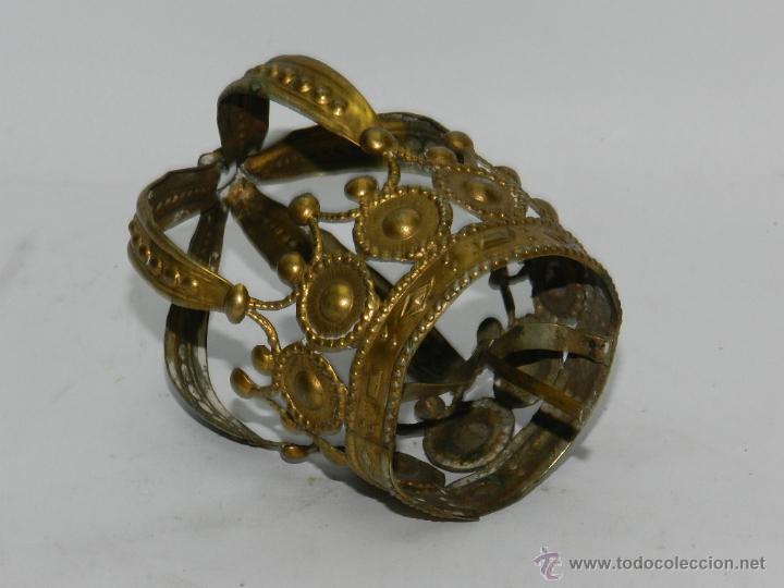 Antigüedades: ANTIGUA CORONA PARA VIRGEN DE VESTIR, CON PRECIOSOS CALADOS, TIENE 5 CMS DE DIAMETRO EN LA BASE. TAL - Foto 2 - 49315662