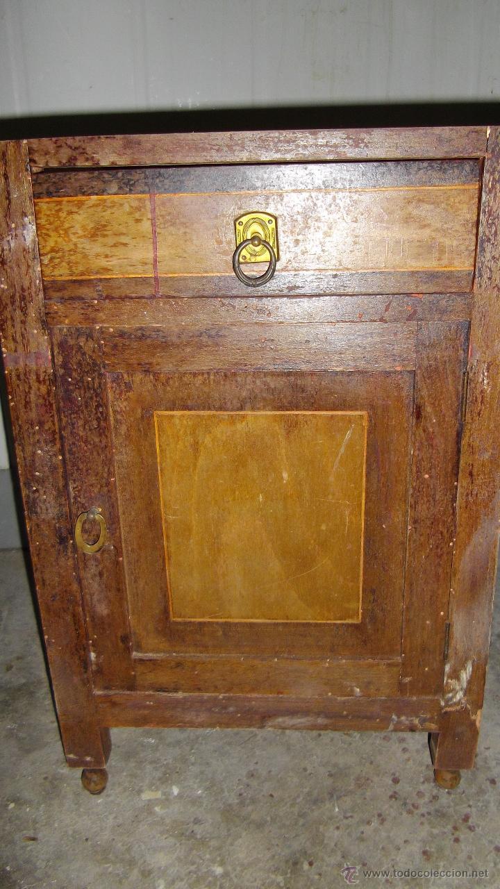 Antigüedades: MESILLA DE NOCHE MODERNISTA. - Foto 2 - 49320797