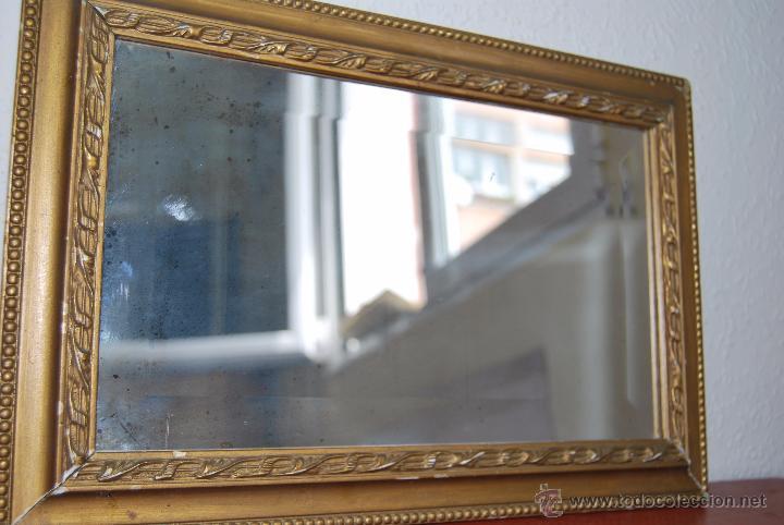 Antiguo espejo biselado con marco dorado comprar espejos for Espejo marco dorado