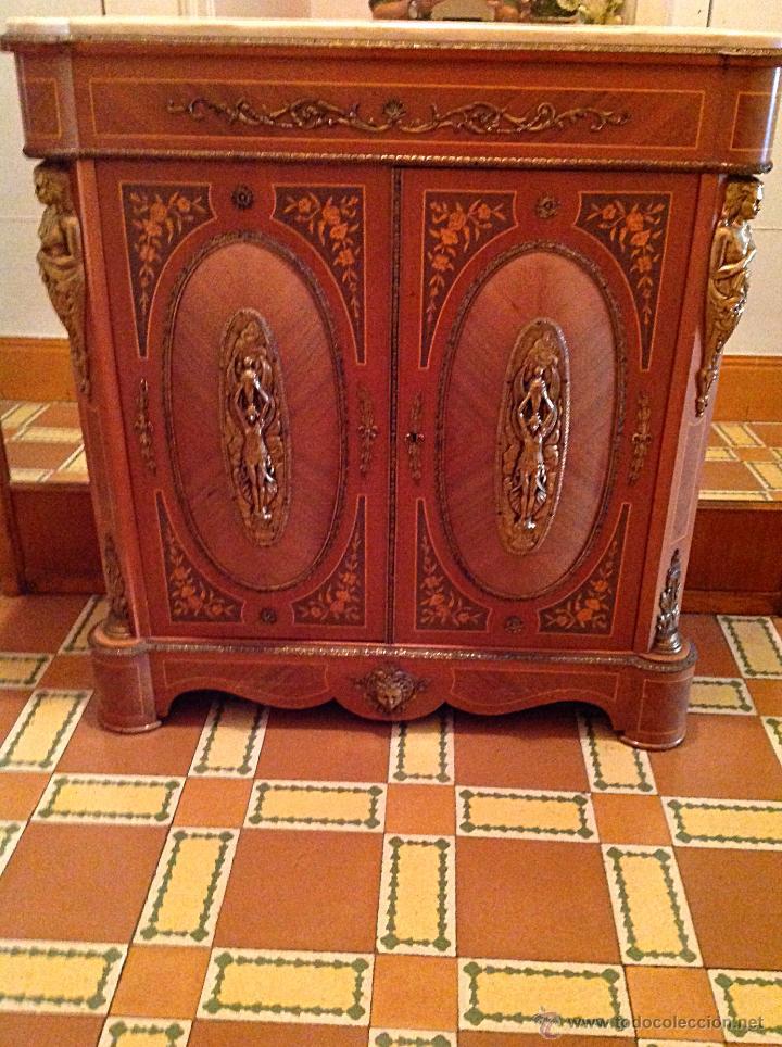 Mueble aparador estilo imperio con molduras y a comprar for Apliques de bronce para muebles