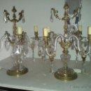 Antigüedades: CANDELABRO DE BRONCE CON BRAZOS DE CRISTAL. Lote 49401704