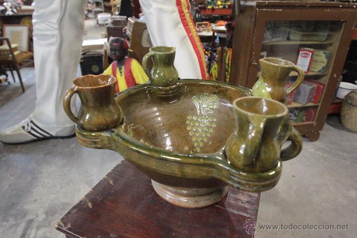 Antigüedades: Gran plato o cuenco, con 2 jarritas. En barro vidriado, Mesón de Don Quijote -ref3500- - Foto 2 - 49420714