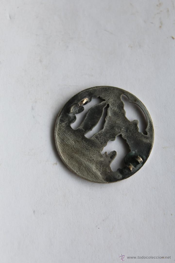 Antigüedades: M- 374. ANTIGUO BROCHE DE LA VIRGEN DE LOURDES EN PLATA. - Foto 2 - 49425480