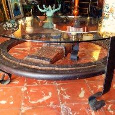 Antigüedades: ANTIGUA RUEDA DE CARRO MESITA MEDIDAS 92X47CM. Lote 49450830