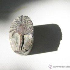 Antigüedades: ANTIGUO SELLO DE TINTA O TAMPON PARA TINTA CON ARBOL O SAUCE TALLADO A MANO. Lote 49458509