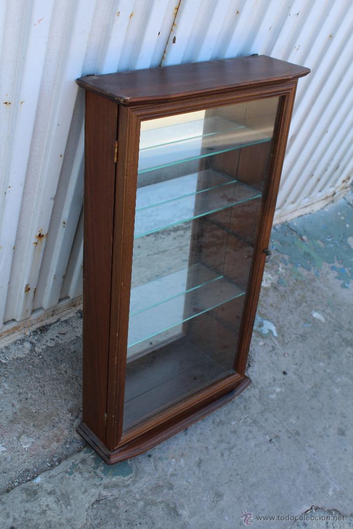 Vitrina de pared en madera con lejas de cristal comprar - Vitrinas de cristal de segunda mano ...
