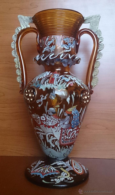 JARRÓN ANTIGUO EN CRISTAL AMBAR ESMALTADO AL FUEGO Y FIRMADO POR EL ARTISTA VIDRIERO ROYO, 37,5 CM . (Antigüedades - Cristal y Vidrio - Catalán)