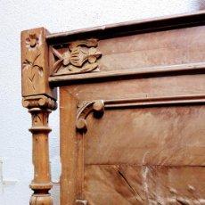 Antigüedades: CAMA COMPLETA ALFONSINA CON TALLAS REMATES Y COLUMNAS BARATA PARA RESTAURAR. Lote 49482042
