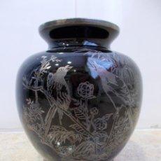 Antigüedades: JARRÓN ART DECÓ CRISTAL NEGRO Y PLATA DE LEY. Lote 49488801