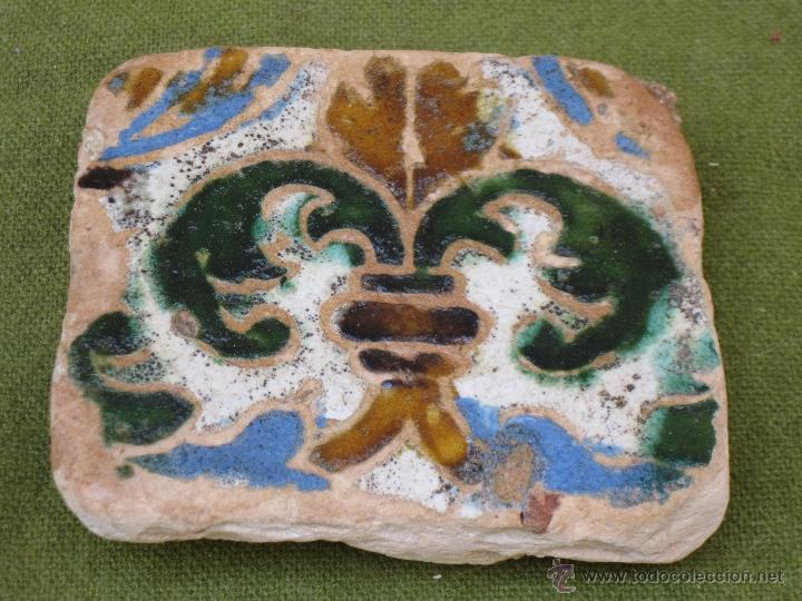 Antigüedades: AZULEJO ANTIGUO EN TECNICA DE ARISTA - SEVILLA / TRIANA. SIGLO XVI. - Foto 2 - 49491025
