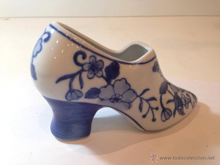 PRECIOSO ZAPATO DE CERAMICA ESTILO DELF DE 16CM (Antigüedades - Porcelana y Cerámica - Holandesa - Delft)