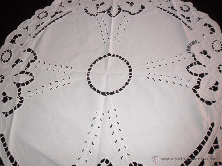 Antigüedades: Mantel / tapete modernista bordado a mano - Foto 4 - 49510547