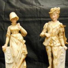 Antigüedades: PAREJA ROMANTICA DE PORCELANA DE BISCUIT. Lote 49512937