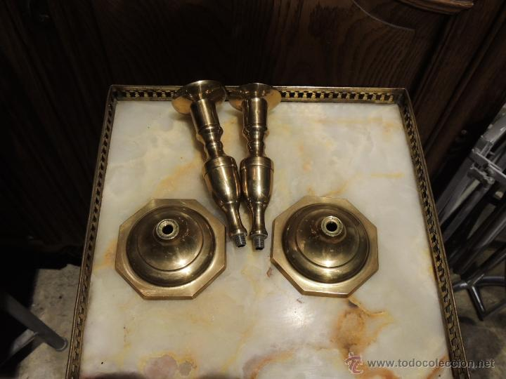 Antigüedades: PAREJA DE CANDELEROS DE BRONCE DE ROSCA - Foto 5 - 49513441
