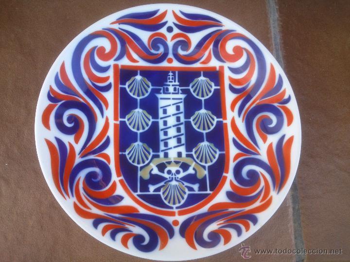 PLATO TORRE DE HÉRCULES Y VIERA SANTIAGO CERÁMICA CASTRO SARGADELOS (Antigüedades - Porcelanas y Cerámicas - Sargadelos)