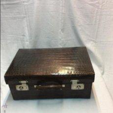 Antigüedades: MALETA DE PIEL DE COCODRILO.. Lote 49512326
