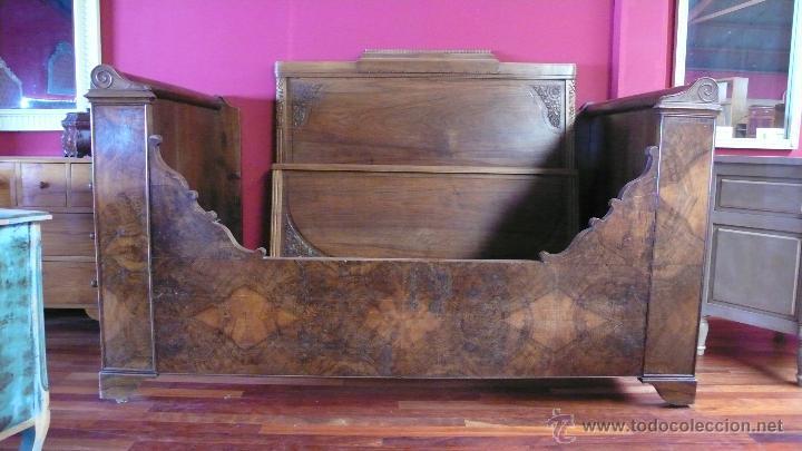 CAMA BARCO NOGAL (Antigüedades - Muebles Antiguos - Camas Antiguas)