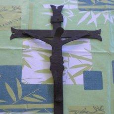 Antigüedades: ANTIGUO CRISTO EN HIERRO FORJADO *****ESTILO ROMANICO*****. Lote 49524311
