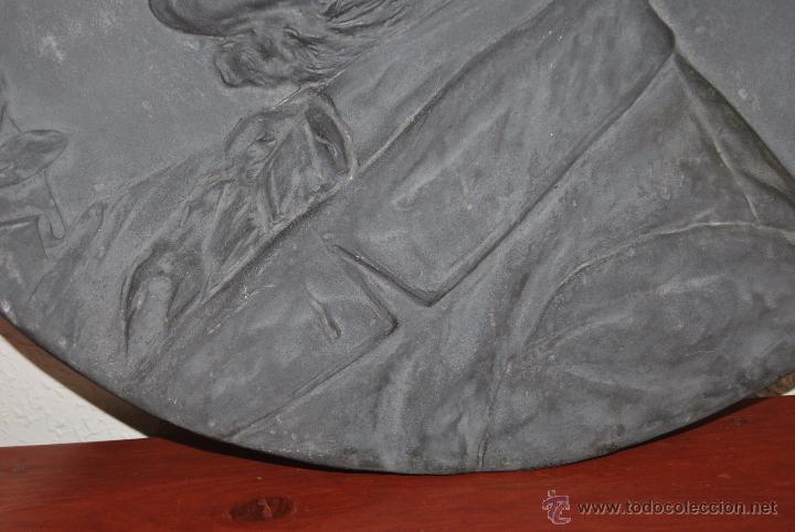 Antigüedades: PLATO DECORATIVO METAL - KAYSERZINN - WAGNER - ART NOUVEAU - MODERNISMO - MEDALLA - MEDALLÓN - 47 CM - Foto 4 - 49539276