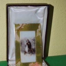 Antigüedades: IMAGEN DE LA VIRGEN EN CRISTAL - ESTUCHE DE PIEL - AÑOS 20-30 - T. Lote 49541414