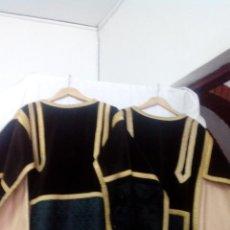 Antigüedades: DALMATICA ANTIGUA DE COLOR NEGRA PARA LITURGUIA PRECIOSA (PAREJAS). Lote 49546771