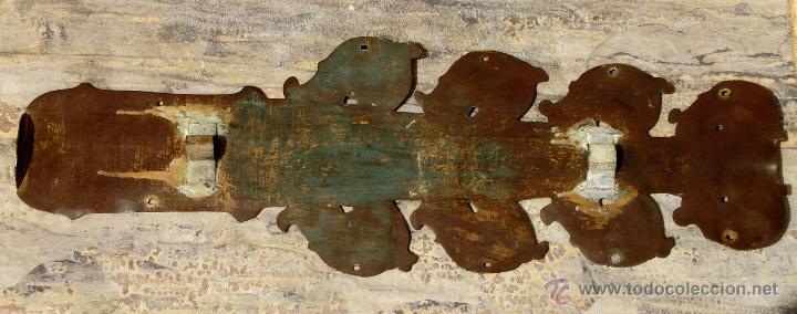 Antigüedades: ANTIGUO E IMPRESIONANTE CANDELABRO DE IGLESIA - LATÓN REPUJADO Y BRONCE - 7 BRAZOS - RELIGIOSO - Foto 14 - 49549887