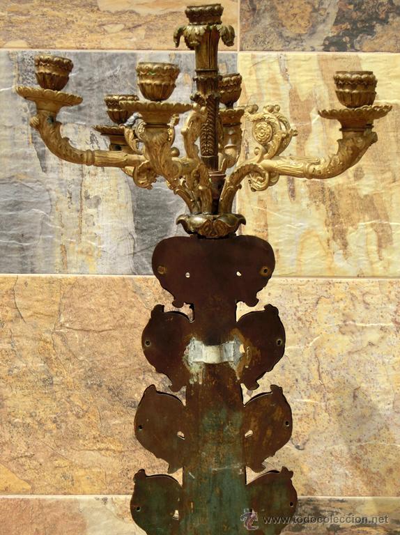 Antigüedades: ANTIGUO E IMPRESIONANTE CANDELABRO DE IGLESIA - LATÓN REPUJADO Y BRONCE - 7 BRAZOS - RELIGIOSO - Foto 16 - 49549887