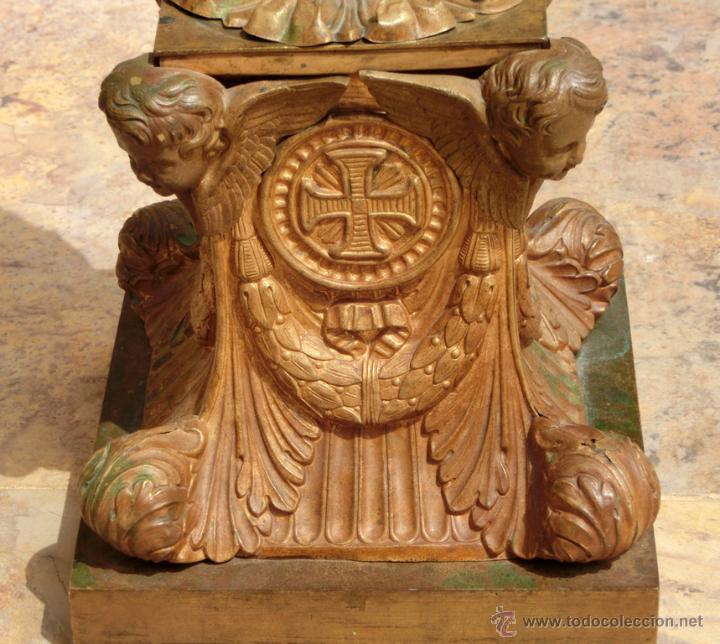Antigüedades: ANTIGUO E IMPRESIONANTE CANDELABRO DE IGLESIA - LATÓN REPUJADO Y BRONCE - 7 BRAZOS - RELIGIOSO - Foto 19 - 49549887