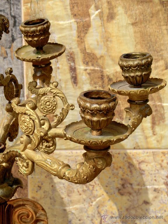 Antigüedades: ANTIGUO E IMPRESIONANTE CANDELABRO DE IGLESIA - LATÓN REPUJADO Y BRONCE - 7 BRAZOS - RELIGIOSO - Foto 20 - 49549887