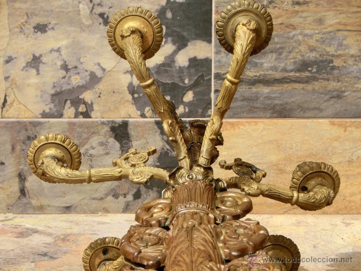 Antigüedades: ANTIGUO E IMPRESIONANTE CANDELABRO DE IGLESIA - LATÓN REPUJADO Y BRONCE - 7 BRAZOS - RELIGIOSO - Foto 22 - 49549887