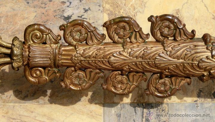 Antigüedades: ANTIGUO E IMPRESIONANTE CANDELABRO DE IGLESIA - LATÓN REPUJADO Y BRONCE - 7 BRAZOS - RELIGIOSO - Foto 25 - 49549887