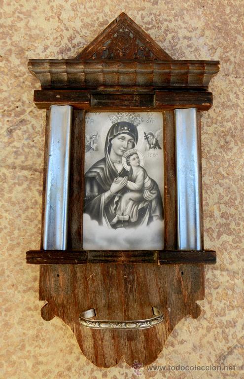Antigüedades: ANTIGUA Y BONITA BENDITERA DE MADERA TALLADA - VIRGEN PERPETUO SOCORRO - Foto 2 - 49552111