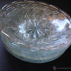 Antigüedades: CINCO PLATOS DE CRISTAL PRENSADO. Lote 49553114