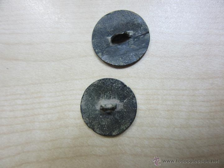 Antigüedades: Dos botones de 2 cms de diametro de finales siglo XVIII o principios del XIX - Foto 2 - 49580611