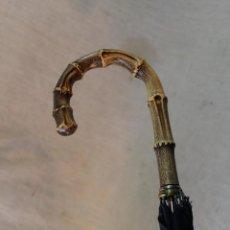 Antigüedades: SOMBRILLA ANTIGUA PARAGUAS CON MANGO EN RESINA. Lote 49603144