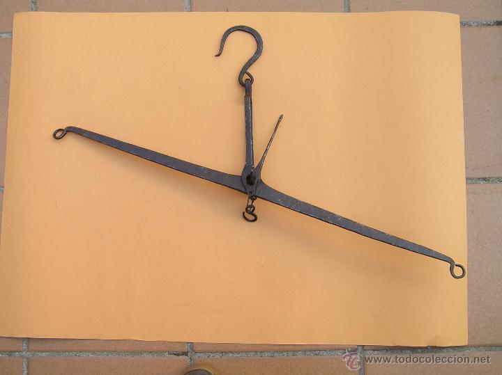 Antigüedades: BALANZA SIGLO XVIII. FORJA . TRATADA. Lista para colgar. - Foto 2 - 49604598