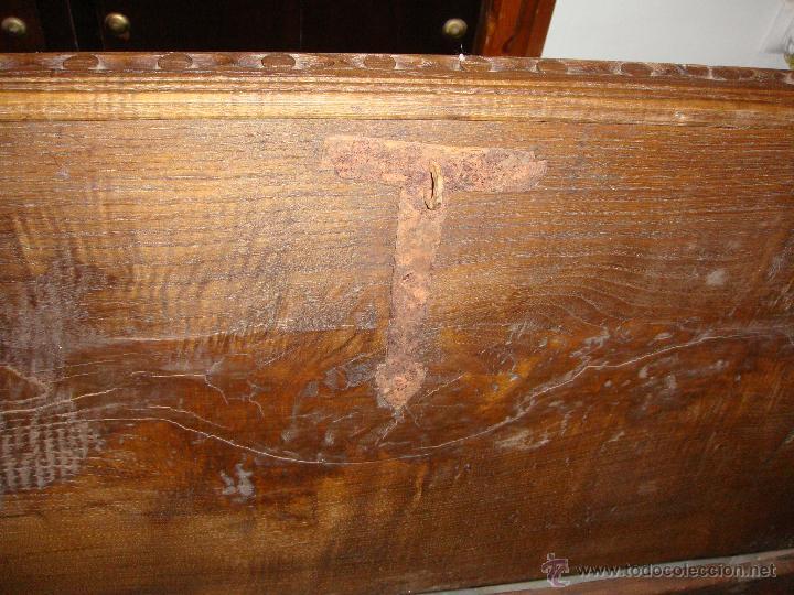 Antigüedades: Antiguo Arcón Asturiano. S.XVIII. Roble. Tallado. Conserva llave original. - Foto 4 - 49611747
