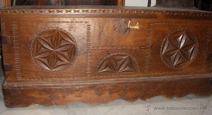 Antigüedades: Antiguo Arcón Asturiano. S.XVIII. Roble. Tallado. Conserva llave original. - Foto 8 - 49611747