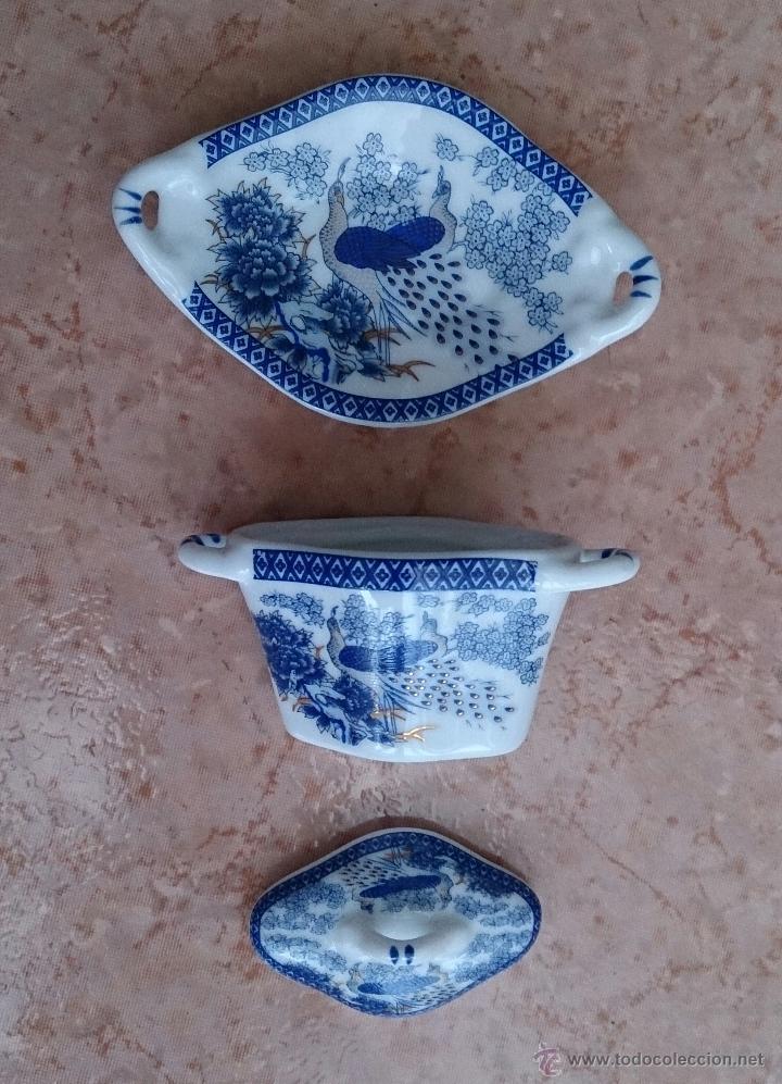 Antigüedades: Sopera en porcelana policromada de estilo oriental con bandeja , detalles en oro de 18 k, sellada . - Foto 6 - 49642409