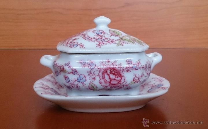 Antigüedades: Bonita sopera en porcelana policromada con motivos florales de colección con bandeja, sellada . - Foto 3 - 49643576