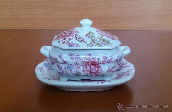 Antigüedades: Bonita sopera en porcelana policromada con motivos florales de colección con bandeja, sellada . - Foto 5 - 49643576